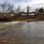De rivier de Algars is volledig buiten zijn oevers getreden en de weg waarover we normaal gesproken rijden is niet meer te zien